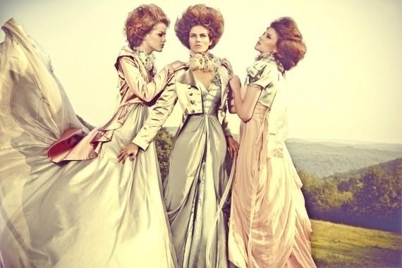 Türk modasının en çok üreten isimlerinden özlem süer romantik